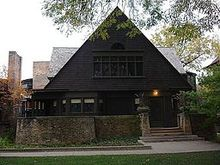 220px-Frank_Lloyd_Wright_Home_and_Studio_(west_side_zoom)